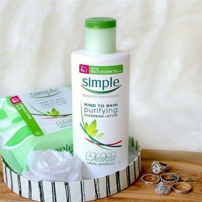 Sữa tẩy trang Simple Kind to Skin Purifying Cleansing Lotion